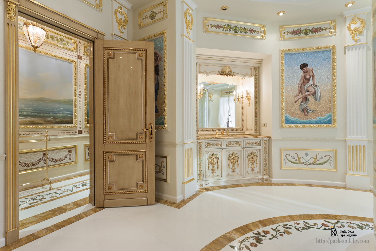 Richly decorated bathroom