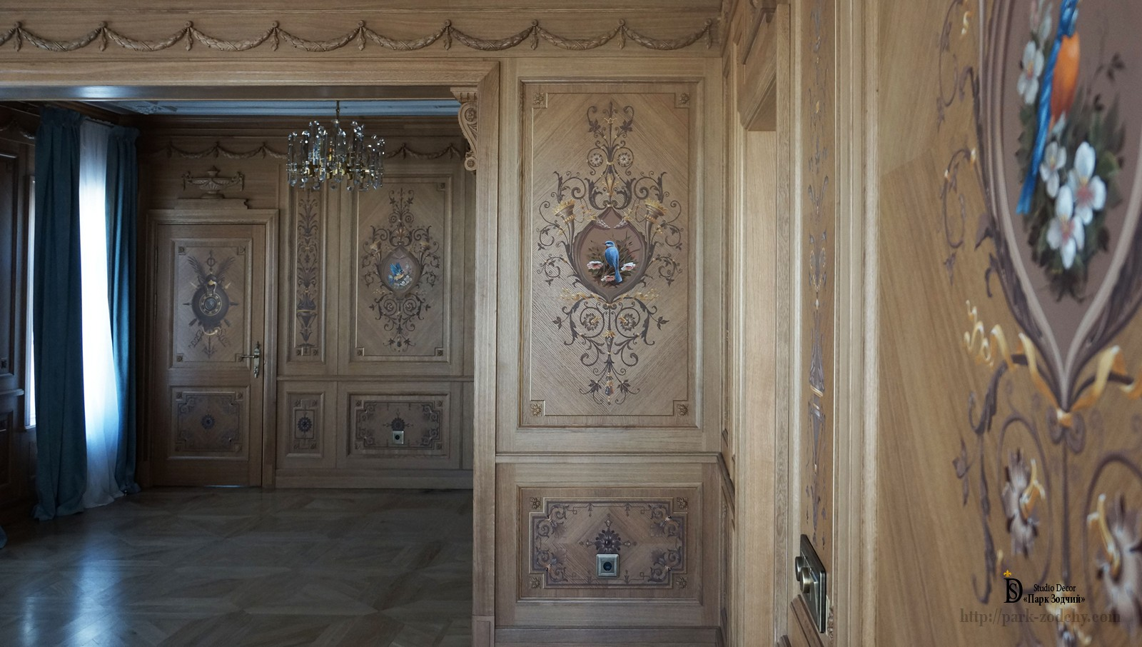 The interior of the male Cabinet with the panels boiserie
