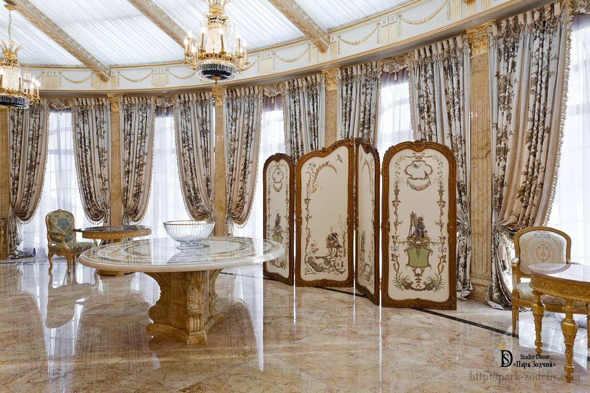 Китайская ширма в интерьере гостиной