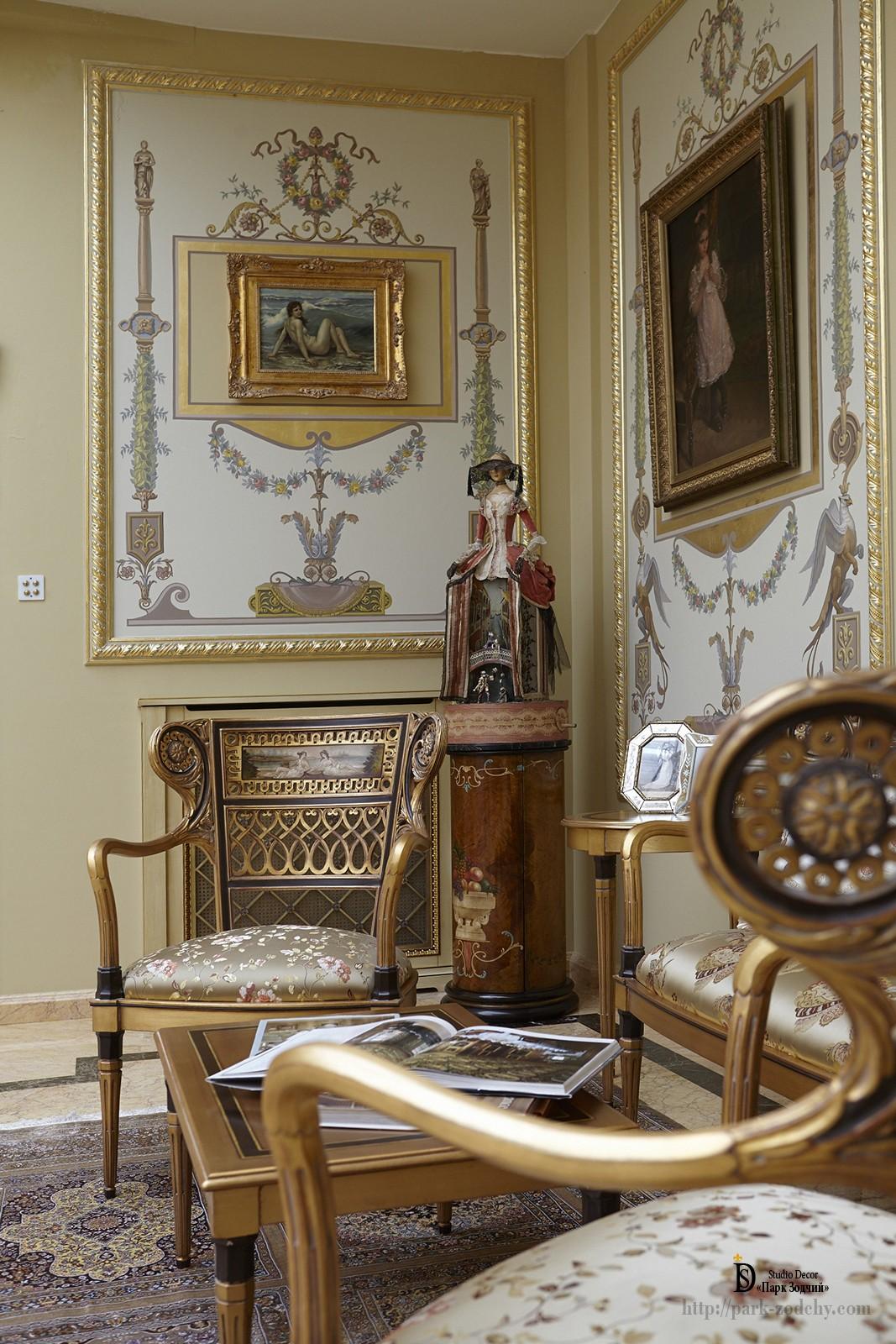 Картины и изысканный декор в интерьере игровой