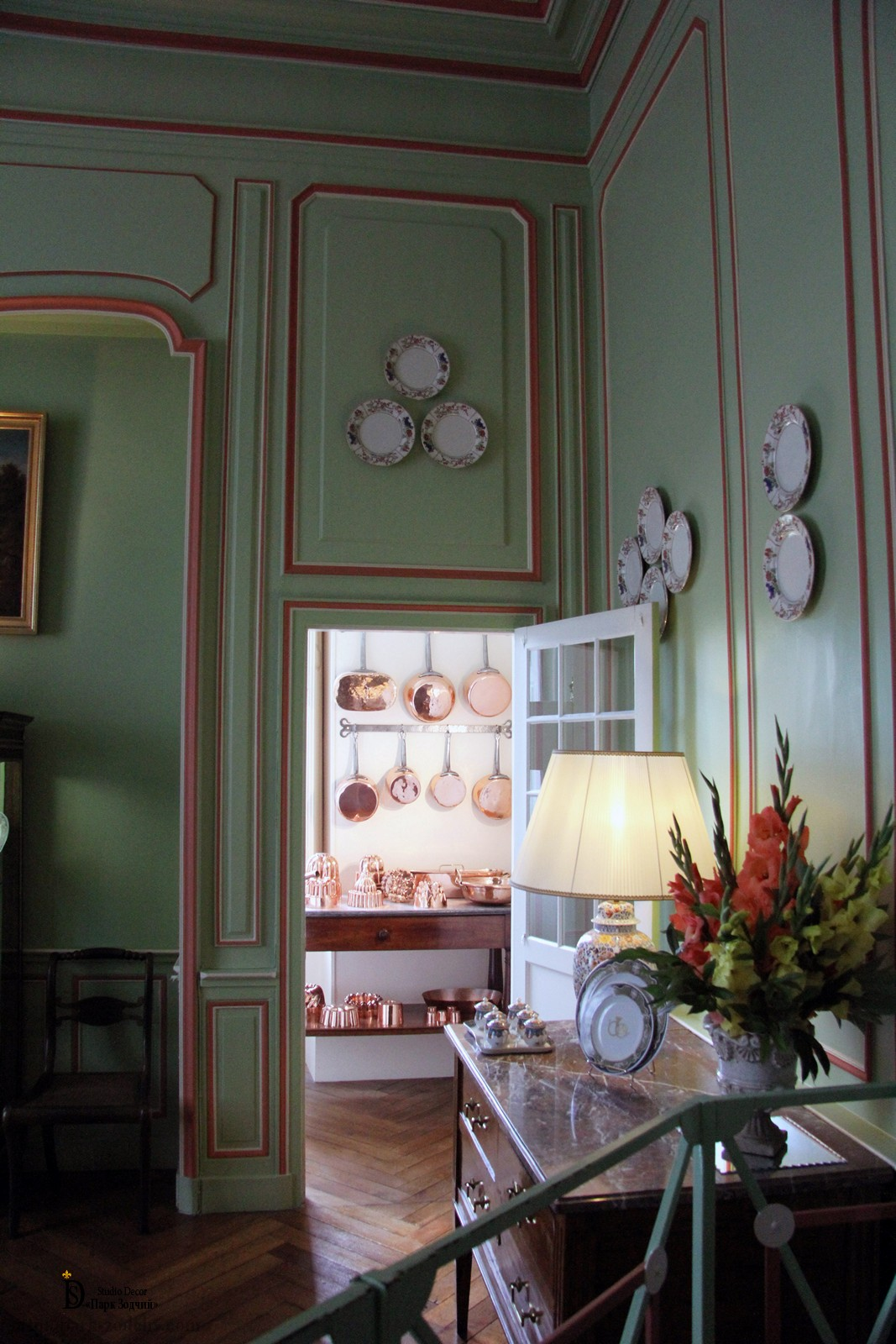 Light dining room in Provence style, unusual painted stucco