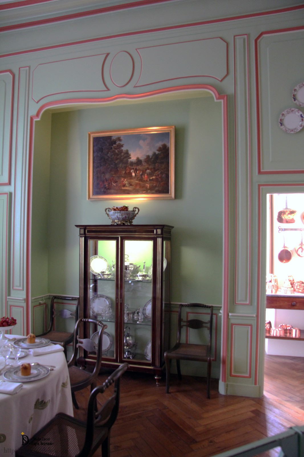 Provence style dining room, light decoration