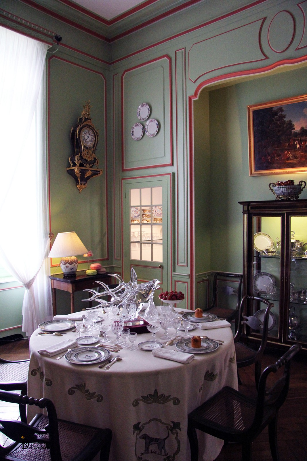 Provence style dining room, unusual decoration