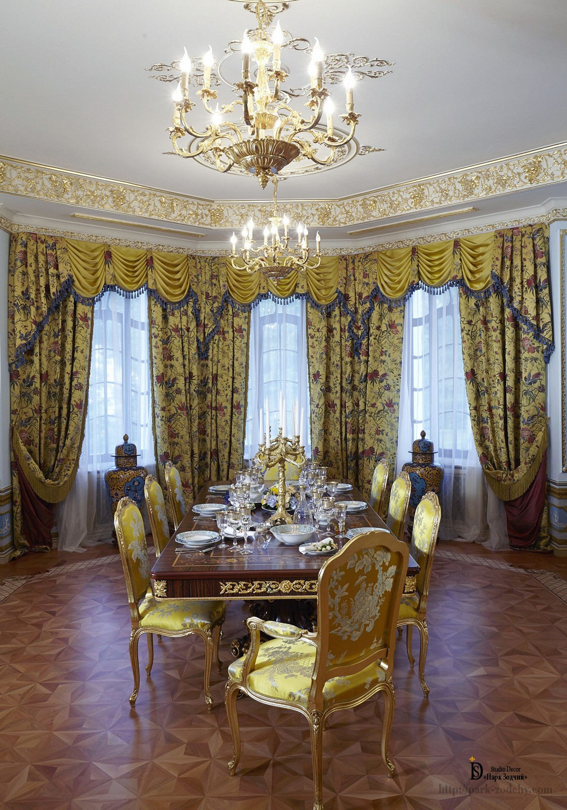 the bright dining room with baroque murals exclusive studio decor park zodchy. Black Bedroom Furniture Sets. Home Design Ideas