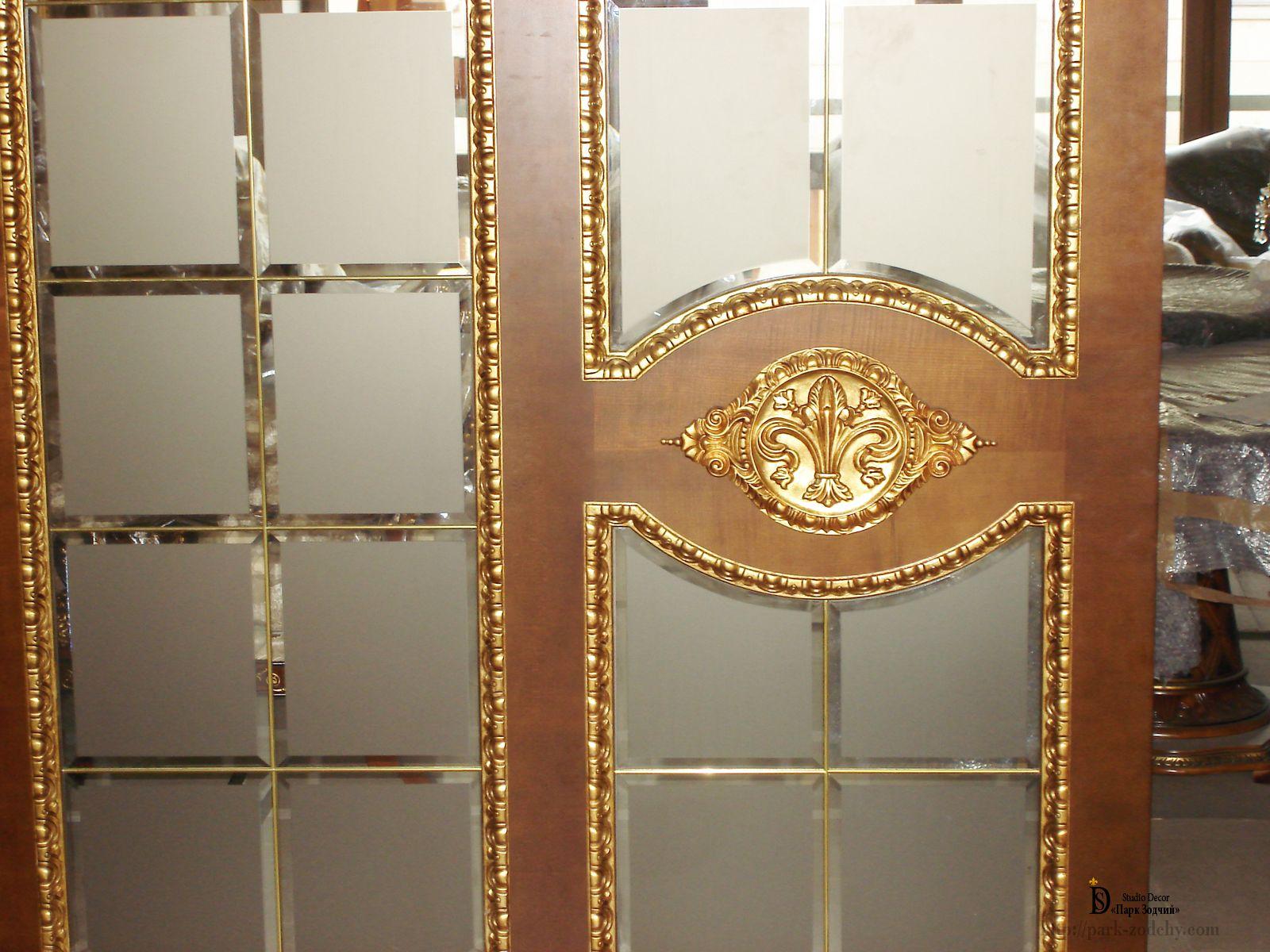 Золочение дверей — изысканный декор вне времени