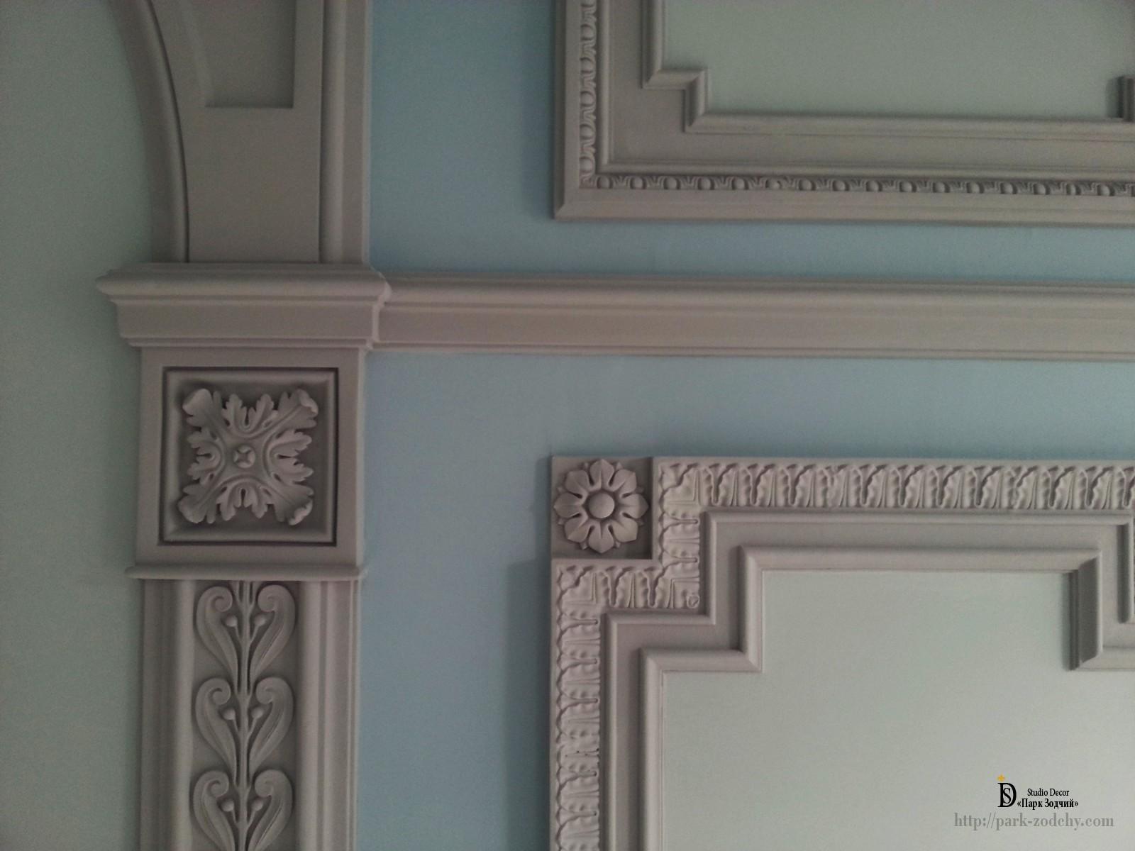 стеновой декор из лепнины монтаж