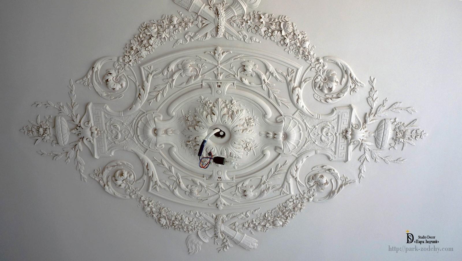 installation of a socket from plaster moldings
