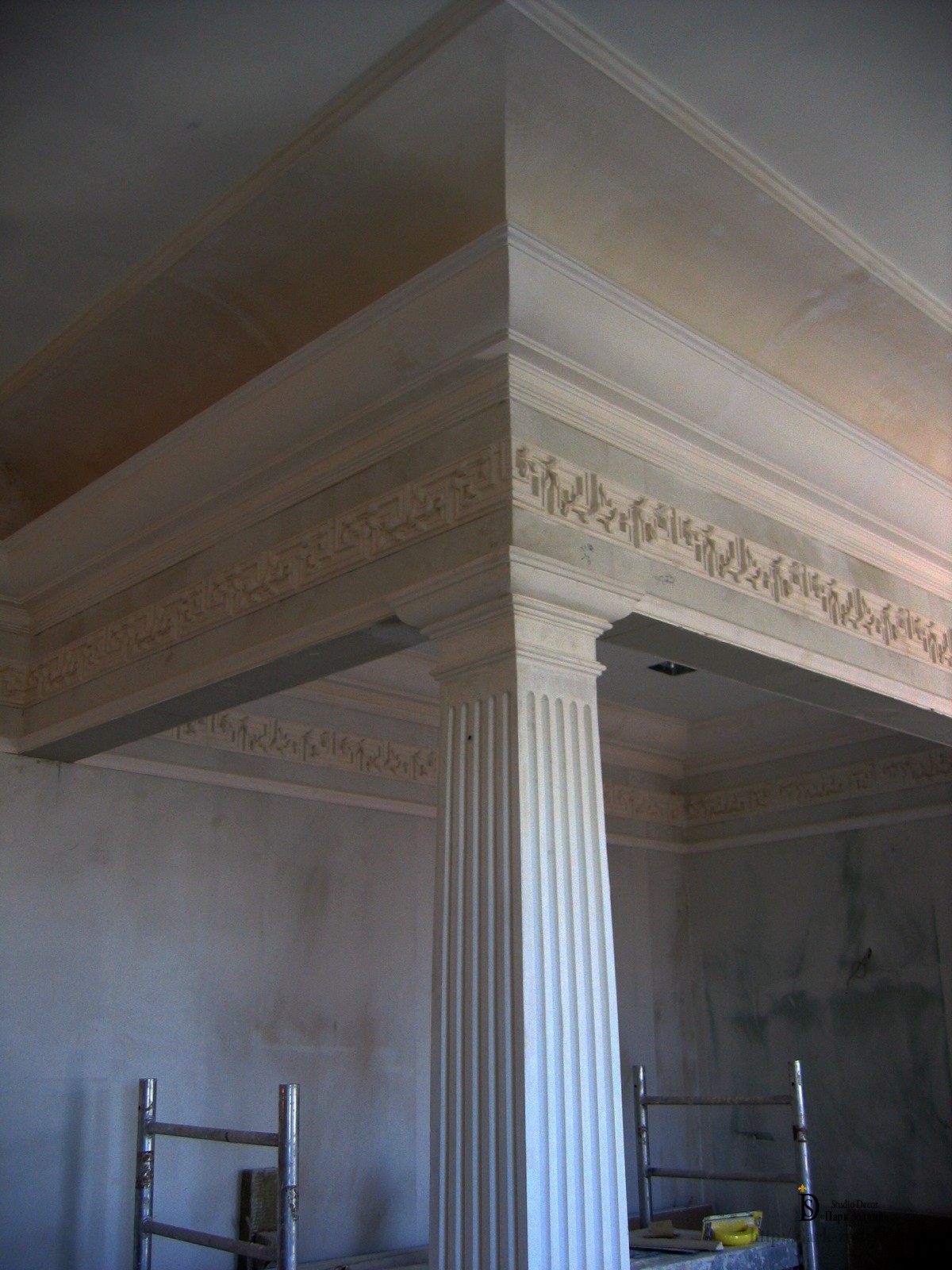 the decoration of the stucco plaster
