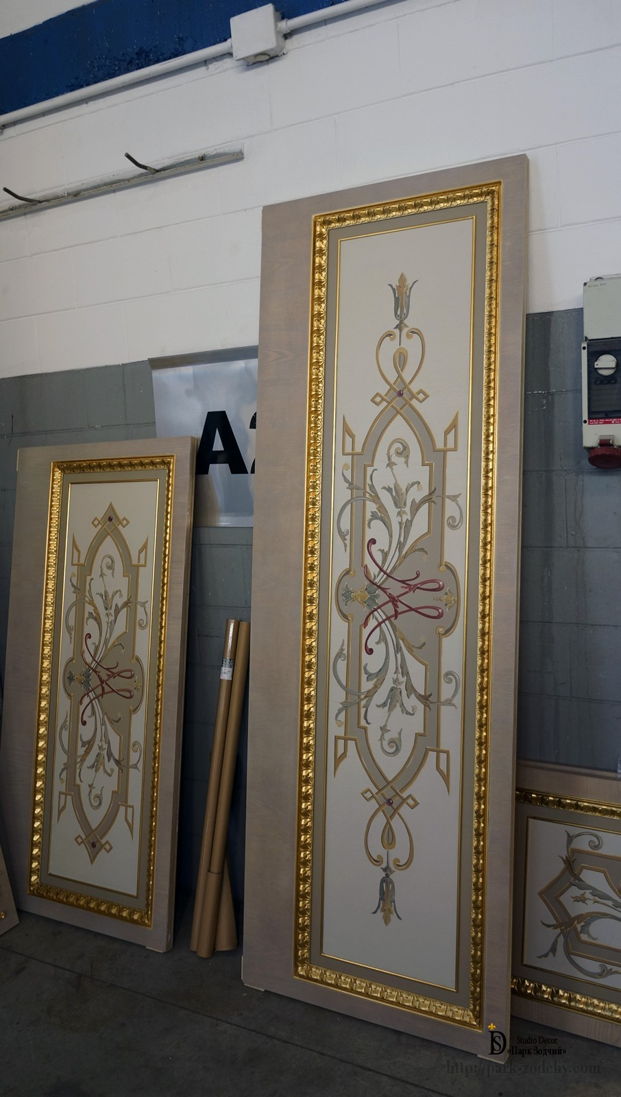 Wooden doors and panels with gilding and painting