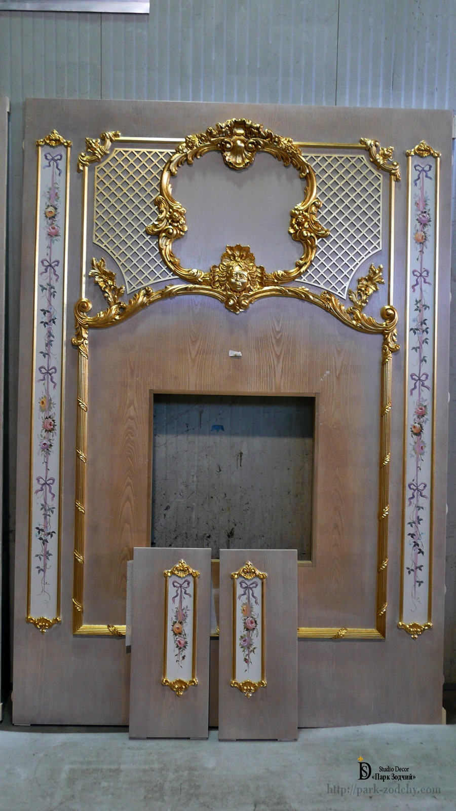 Fragment of boiserie with gilding and alfrey painting
