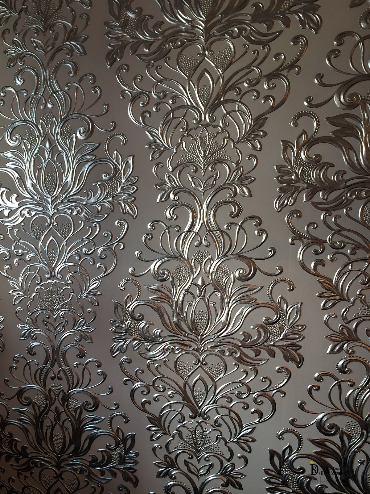 Gilded Wallpaper linkrusta silver and gold leaf
