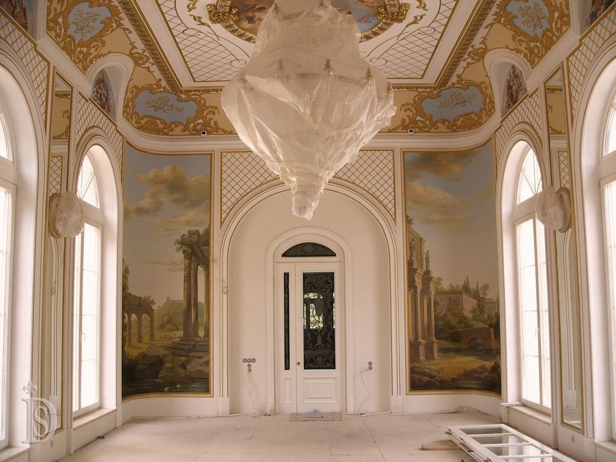 Painting the walls and ceiling in the Baroque style
