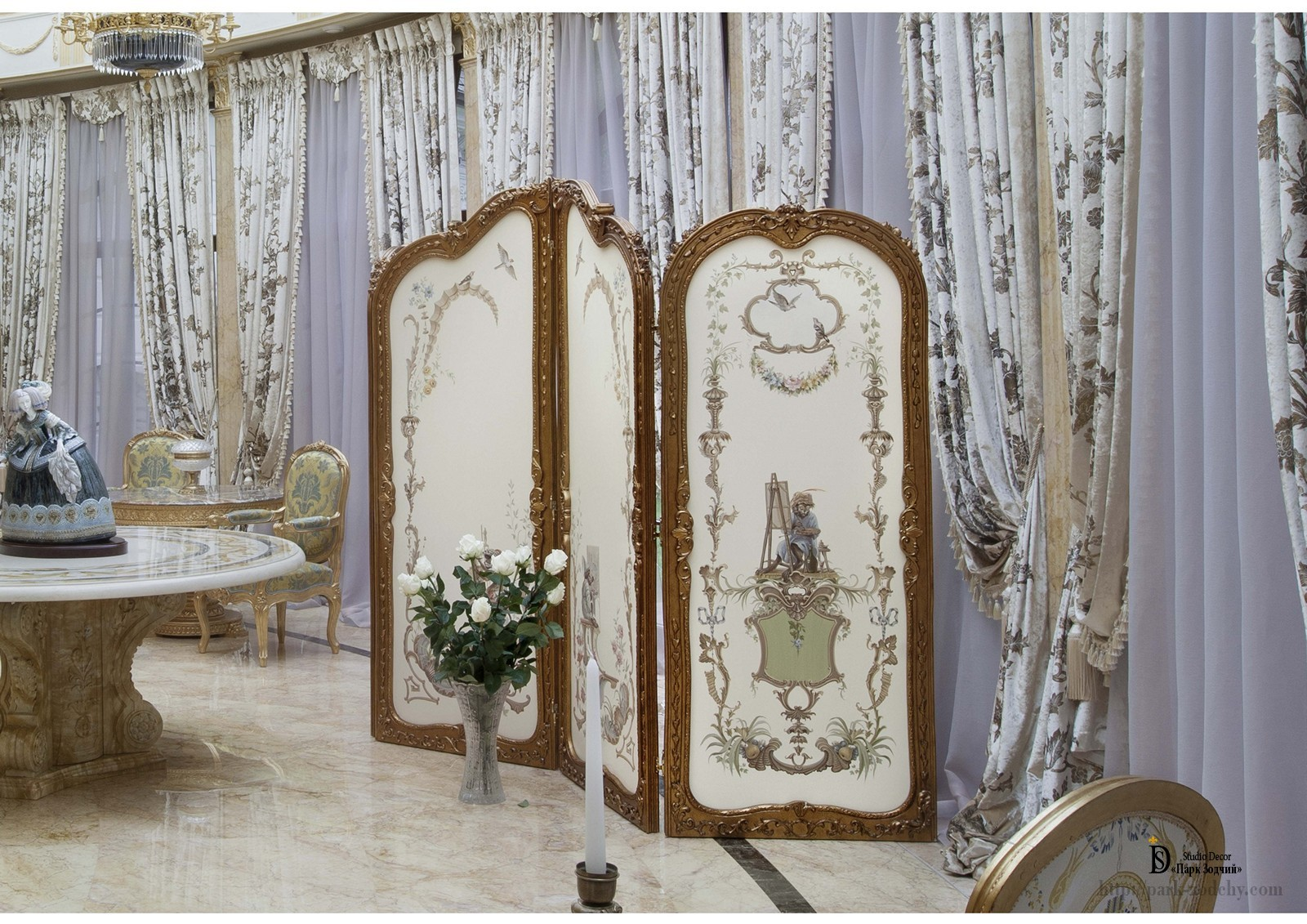 Painted screens in the style of chinoiserie