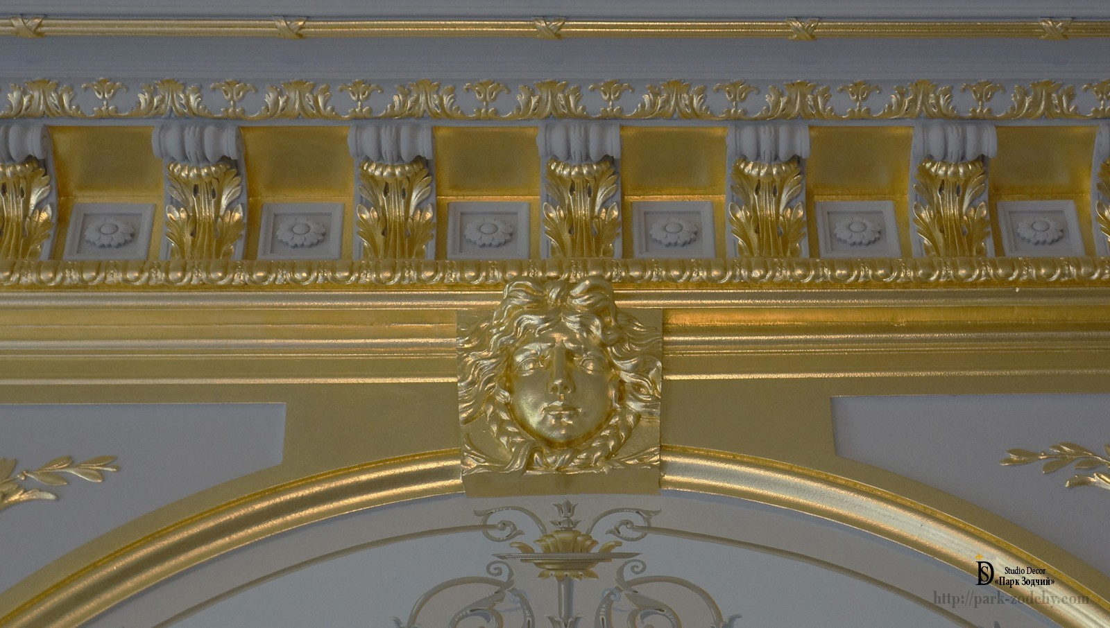 Part mantel mirrors with use of gilding