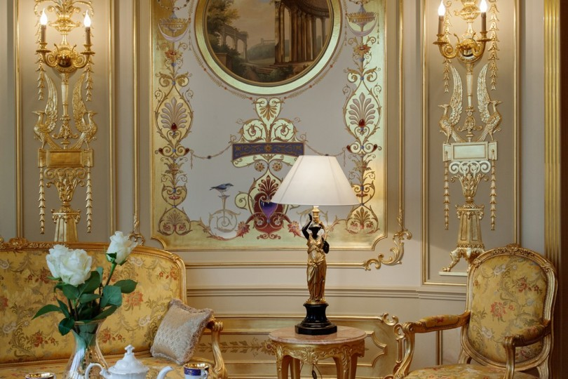 Living Room Dining With Ornamental, Dining Room Paintings